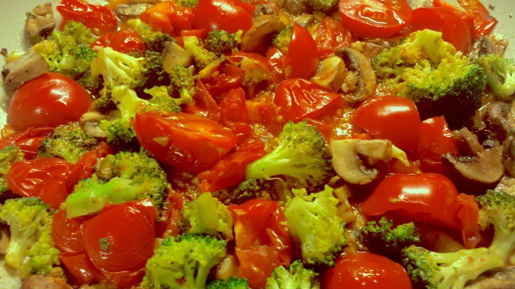 Med Side Dish: Broccoli, Tomato, Mushroom Medley