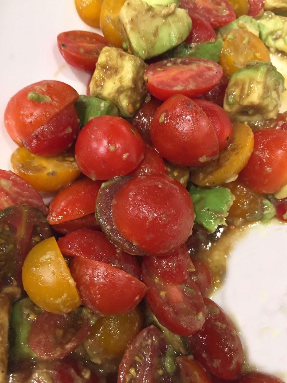 Vegetables for Breakfast – Avocado Tomato Salad